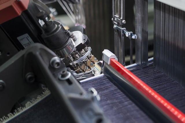 Moda sostenibile: arriva da Itema (Bergamo) la tecnologia che fa risparmiare cotone e acqua